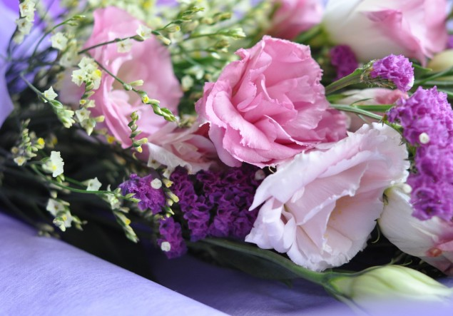 bouquet of flowers with eustoma