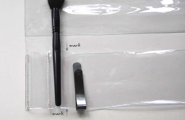 DIY tutorial - PVC makeup brush holder 7