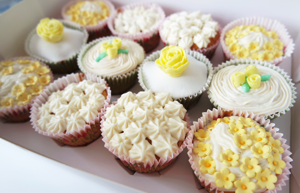 yellow fondant flower cupcakes