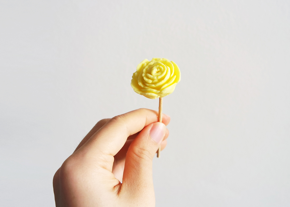 fondant flower